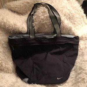 Nike expandable gym bag